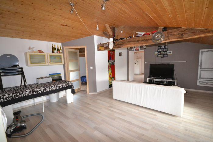 BOURNEZEAU - Jolie maison de ferme r�nov�e avec grange et te à vendre BOURNEZEAU au prix de 294000 euros