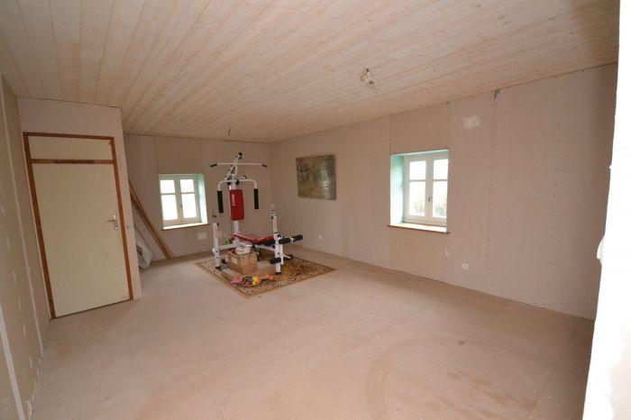 Maison en pierre offrant un beau potentiel  LA CAILLERE ST HILAIRE immobilier à vendre au prix de 190800 euros