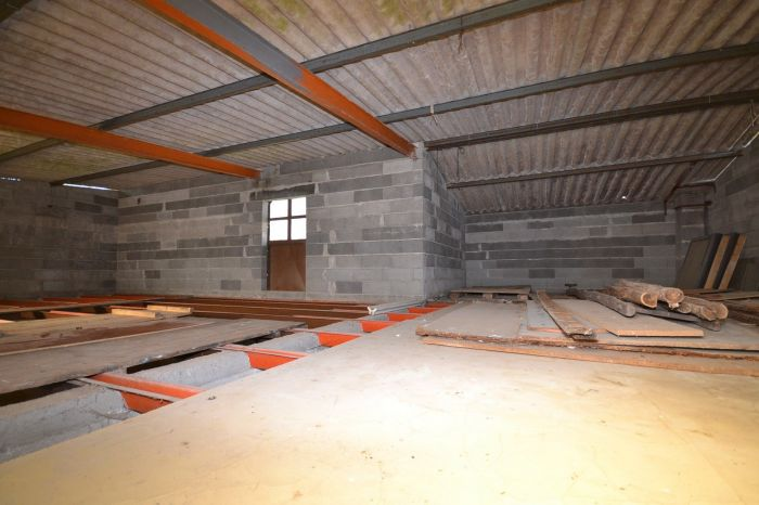 Maison ancienne de village avec terrain à vendre LES HERBIERS au prix de 69875 euros