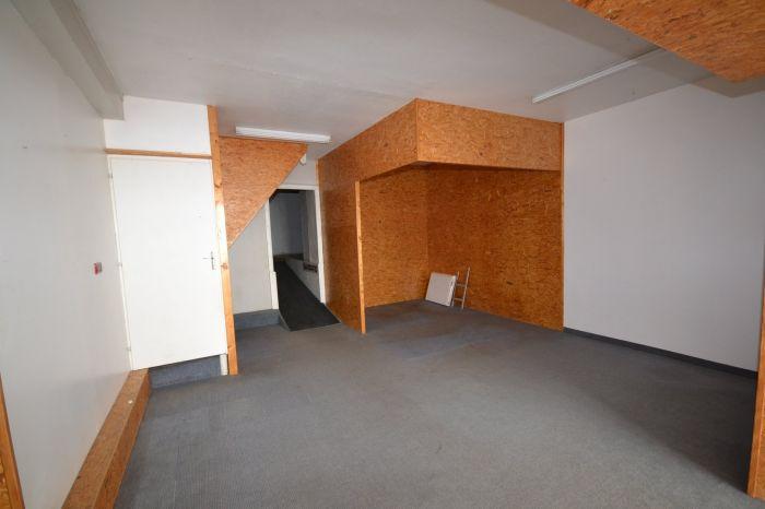 A vendre LOCAL COMMERCIAL sur secteur CHANTONNAY avec 160 m² de surface habitable