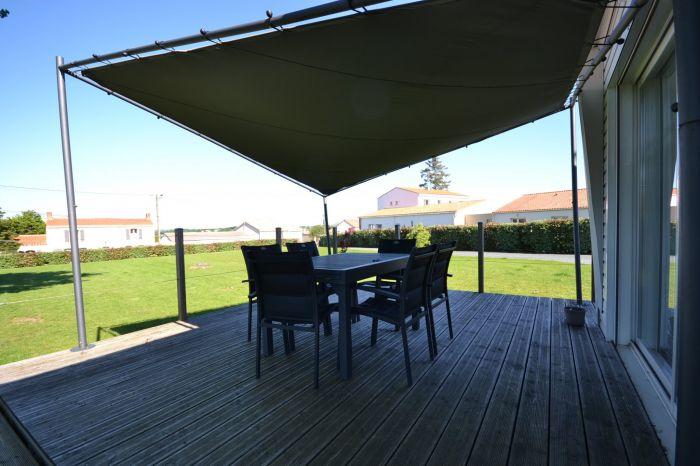 Pavillon de plain-pied r�nov� avec go�t à vendre BOURNEZEAU au prix de 159750 euros