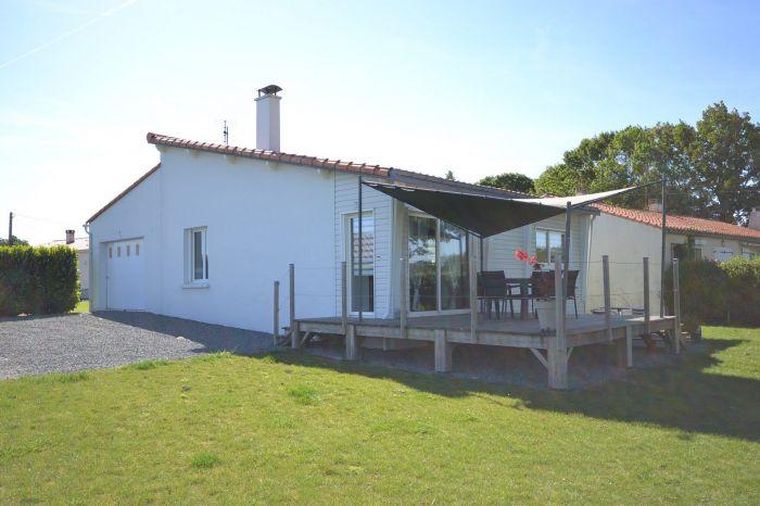 Pavillon de plain-pied r�nov� avec go�t BOURNEZEAU immobilier à vendre au prix de 159750 euros
