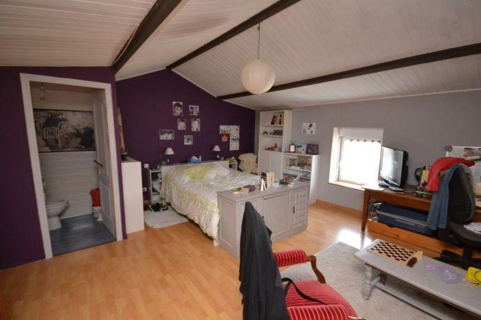 Maison ancienne r�nov�e à vendre BOURNEZEAU au prix de 199280 euros