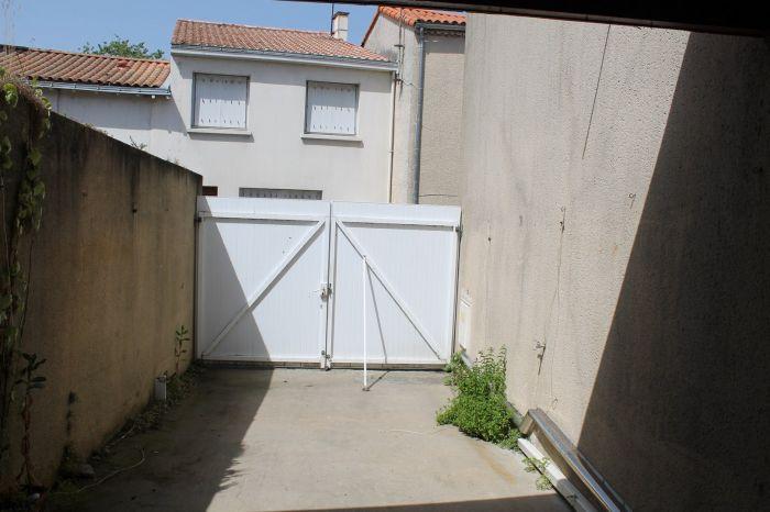 MAISON en vente sur BOURNEZEAU M5649 au prix de 117700 euros