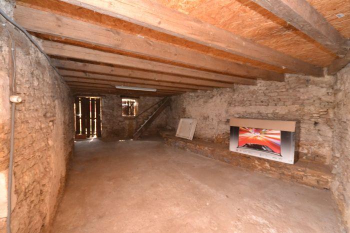 Maison de village r�nov�e à vendre CHANTONNAY au prix de 75250 euros