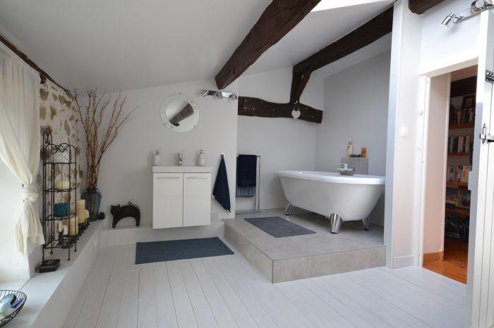 Proche CHANTONNAY - Belle long�re en pierre dans un �crin de BOURNEZEAU immobilier à vendre au prix de 271950 euros