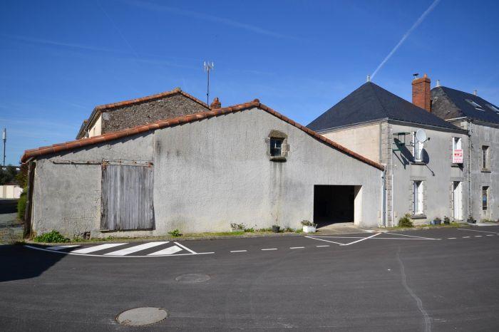 Jolie maison de bourg r�nov�e CHANTONNAY immobilier à vendre au prix de 65100 euros