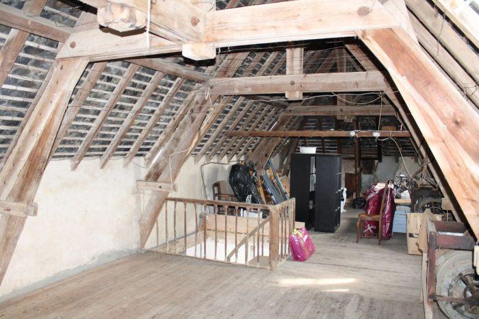 Maison ancienne avec d�pendances à vendre CHANTONNAY au prix de 179140 euros