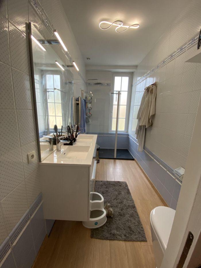 Belle maison de bourg CHANTONNAY immobilier à vendre au prix de 212000 euros