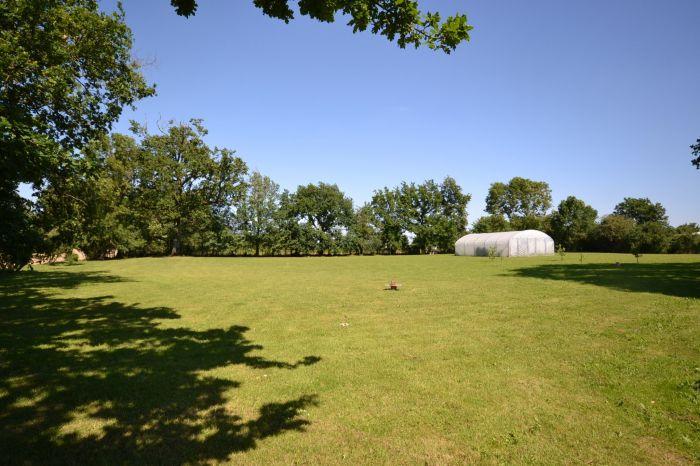 Jolie grange traditionnelle r�nov�e à vendre CHANTONNAY au prix de 392700 euros