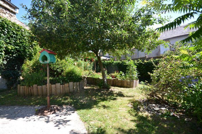 MOUILLERON EN PAREDS - Charmante maison de bourg avec jardin à vendre MOUILLERON EN PAREDS au prix de 161880 euros