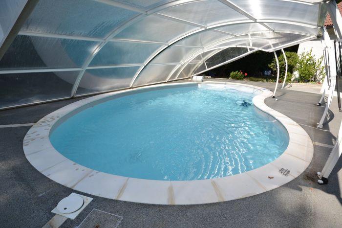 Jolie maison de plain-pied avec terrain arbor� CHANTONNAY immobilier à vendre au prix de 180200 euros