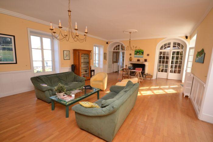 A vendre MAISON sur secteur CHANTONNAY avec 270 m² de surface habitable