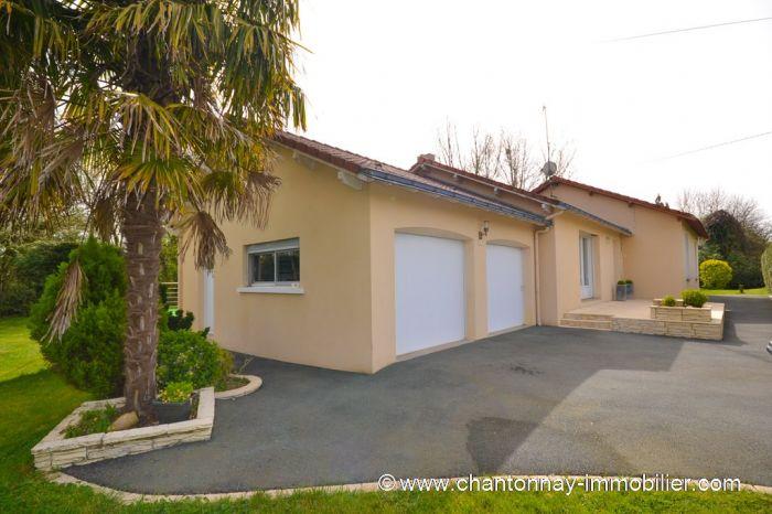 Charmante maison de famille CHANTONNAY immobilier à vendre au prix de 199900 euros