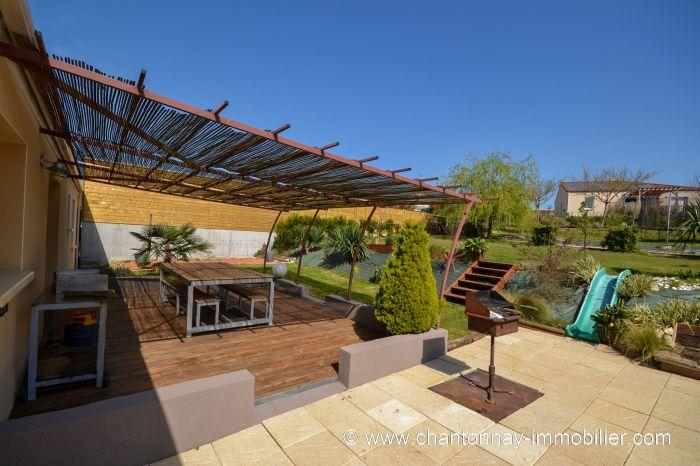 CHANTONNAY - Jolie maison de plain-pied 3 chambres et bureau à vendre CHANTONNAY au prix de 212000 euros